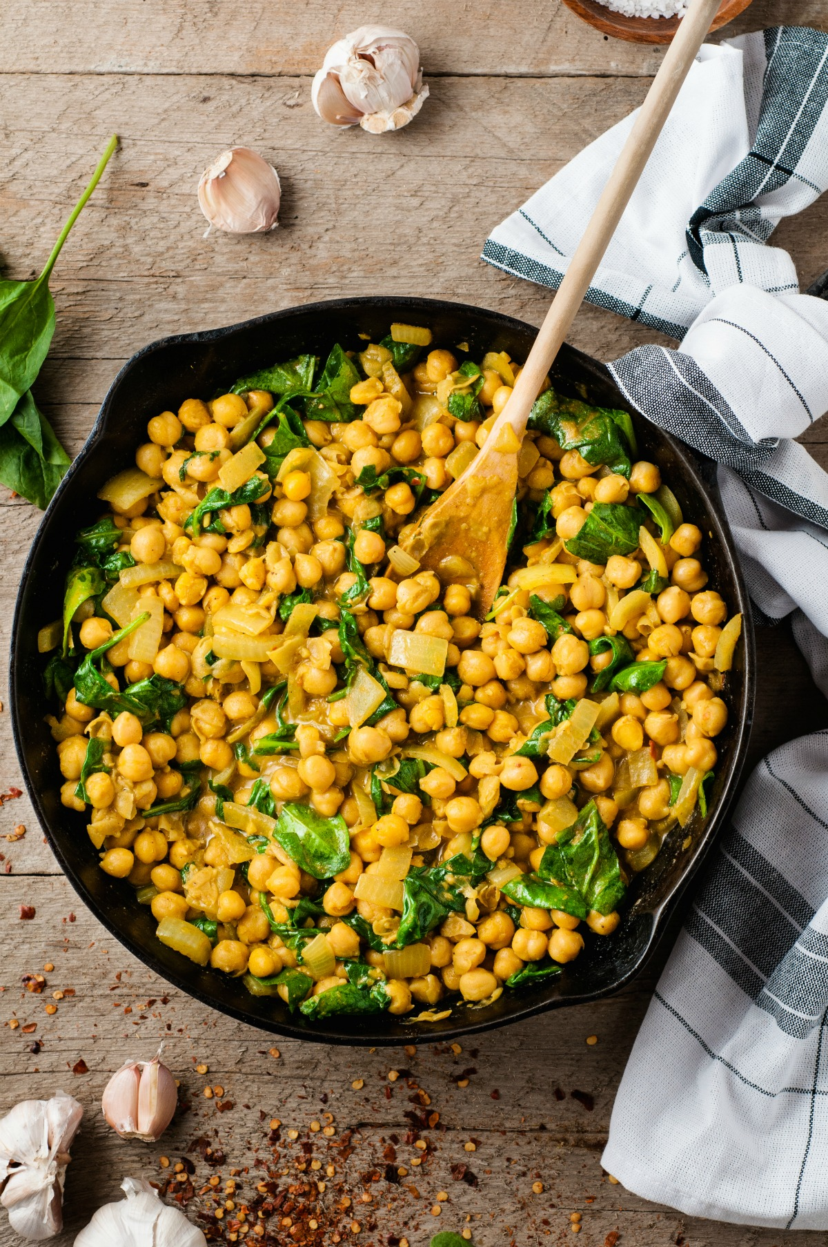 Cast iron skillet with chickpea curry.